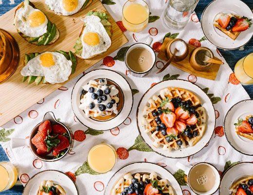 breakfast table eggs coffee