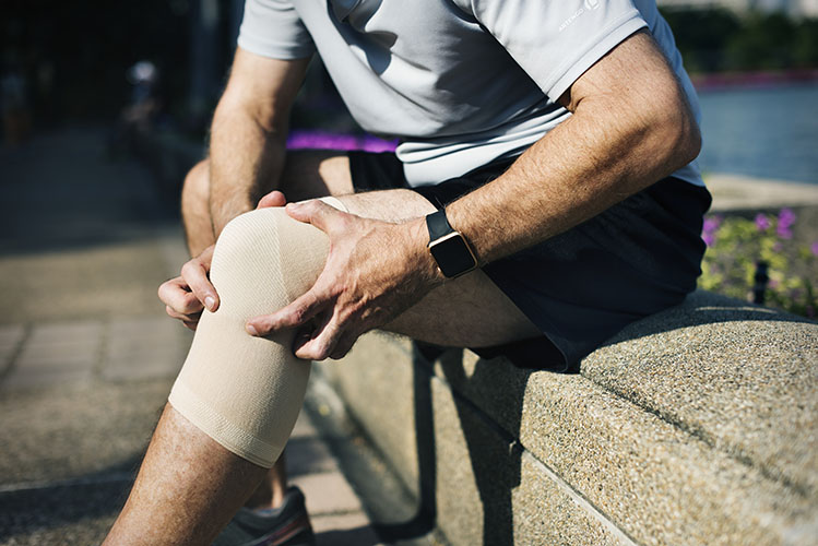 knee injury bandage