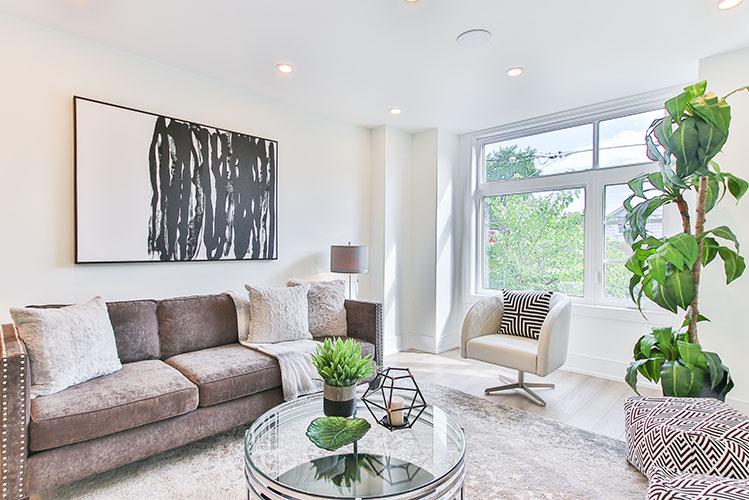 nice traditional living room